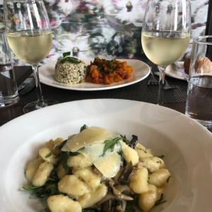15 Best Restaurants in Jersey - Dining